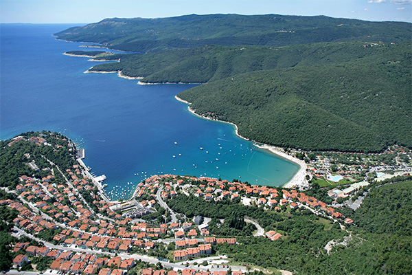Look at the holiday offers in Rabac